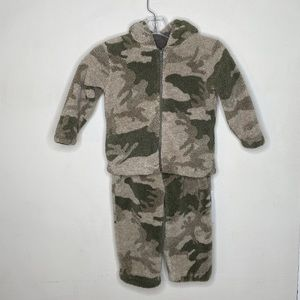 Cabela's Camouflage 2-Piece Boy's Outfit size 3T
